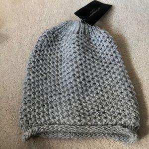 Zara hat!